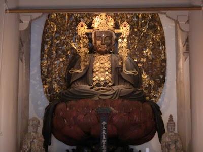円覚寺宝冠釈迦如来坐像
