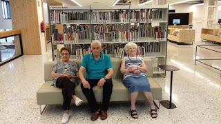 Usuaris d'Aviparc a la Biblioteca Montserrat Abelló