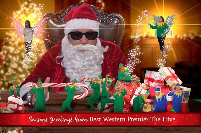 Hubungan Santa, Pohon Natal Plastik dan Kukis