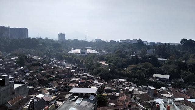 Pemandangan dari lantai 7 Hotel Tjokro