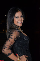 Sakshi Agarwal looks stunning in all black gown at 64th Jio Filmfare Awards South ~  Exclusive 066.JPG