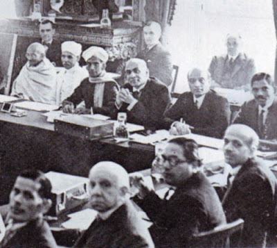 Dr Ambedkar and Mahatma Gandhi in the Round Table Conference