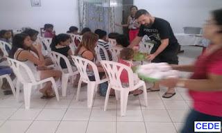 Encerramento com teatro e festa do grupo de evangelização infantil