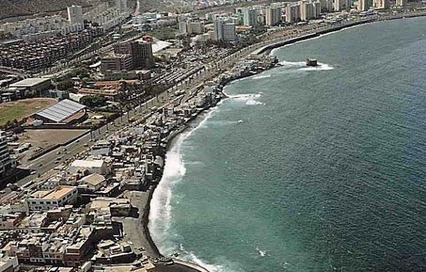 Se abren las playas de Gran Canaria cerradas por vertido