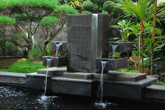 Contoh Jasa Tukang Taman Surabaya dan Kolam koi