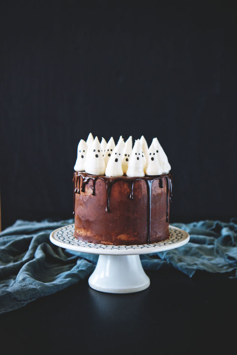 Halloween Cake designs,  Recipes, ideas about Halloween cakes, Chocolate Pumpkin Cake with Meringue Ghosts
