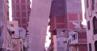 عقار الأزاريطة المائل فى الإسكندرية..كارثة تؤكد فساد المحليات المتنامي بالمدينة
