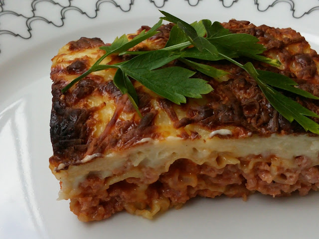 Lasaña de carne y beicon con pasta won-ton