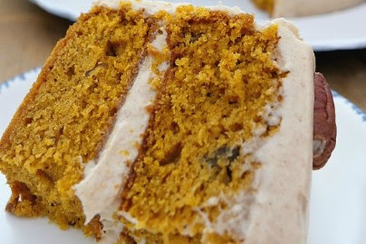 PUMPKIN PECAN CAKE WITH CINNAMON BUTTERCREAM FROSTING