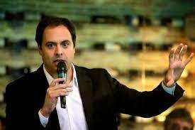 Paulo Câmara lidera pra governador, seguido Armando, Mendonça e Marília Arraes