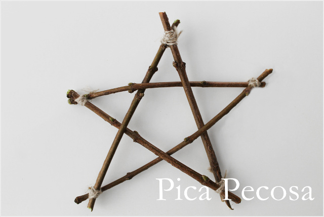 como-hacer-estrella-navidad-diy-reciclada-rama-cordel