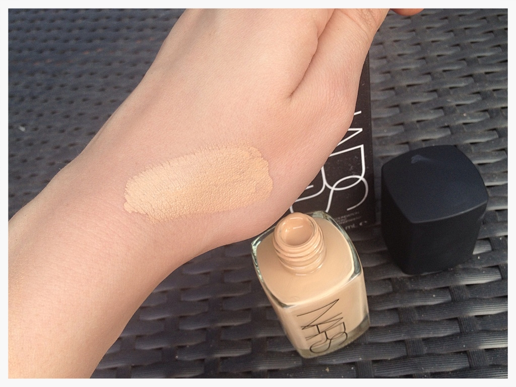 Nars Sheer Glow Foundation swatch