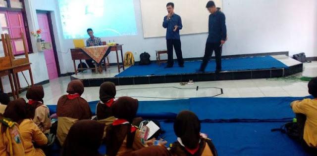 Workshop Robotika di SMK Negeri 2 Blitar