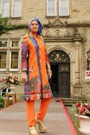 Model Busana Batik Modern Wanita Terbaru