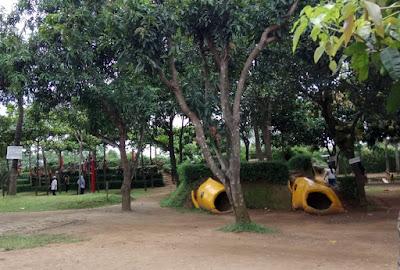 Wisata Keluarga Rumah Makan Mang Ajo, Karawang