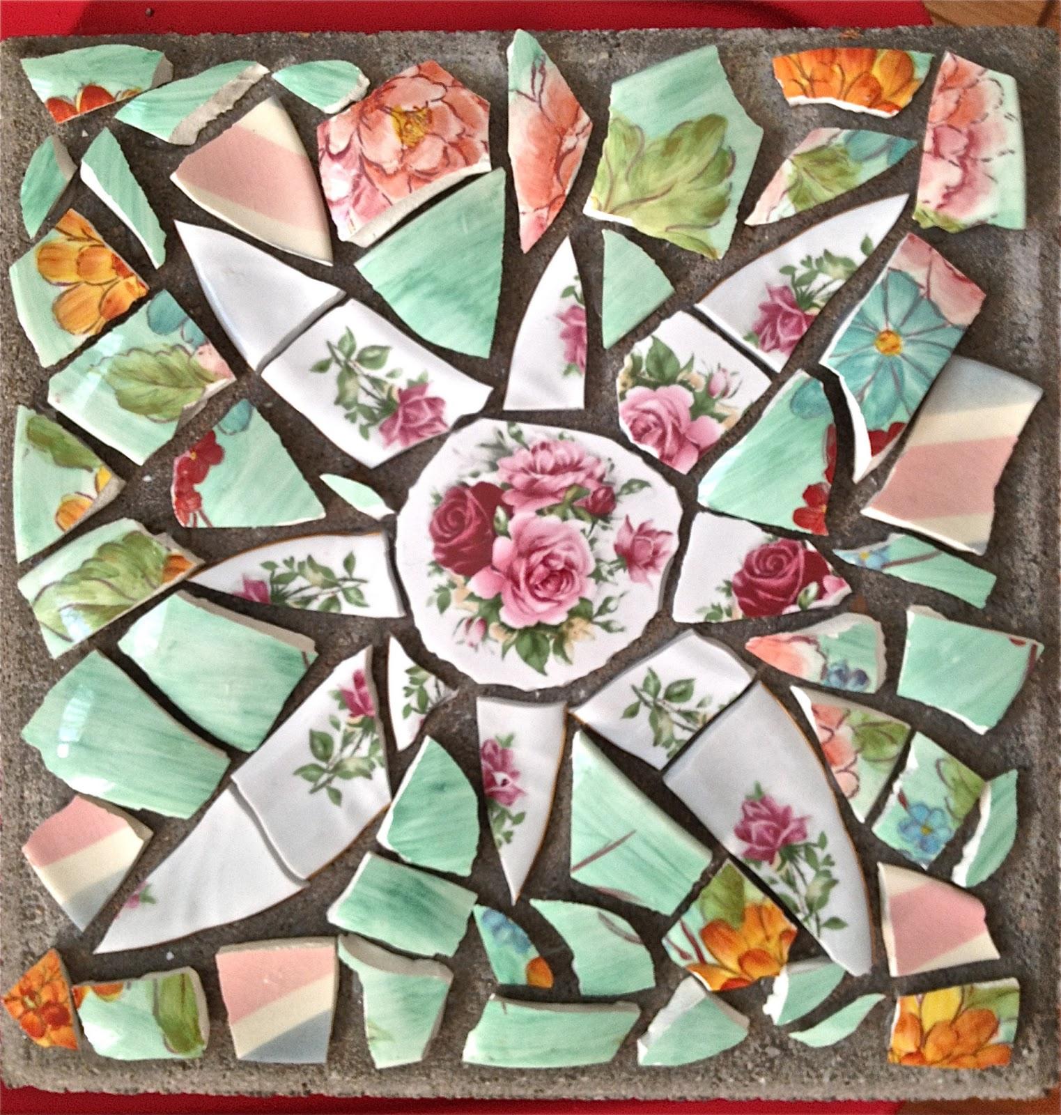 Mosaic Garden Stones: Simple, But Fabulous: Mosaic Stones