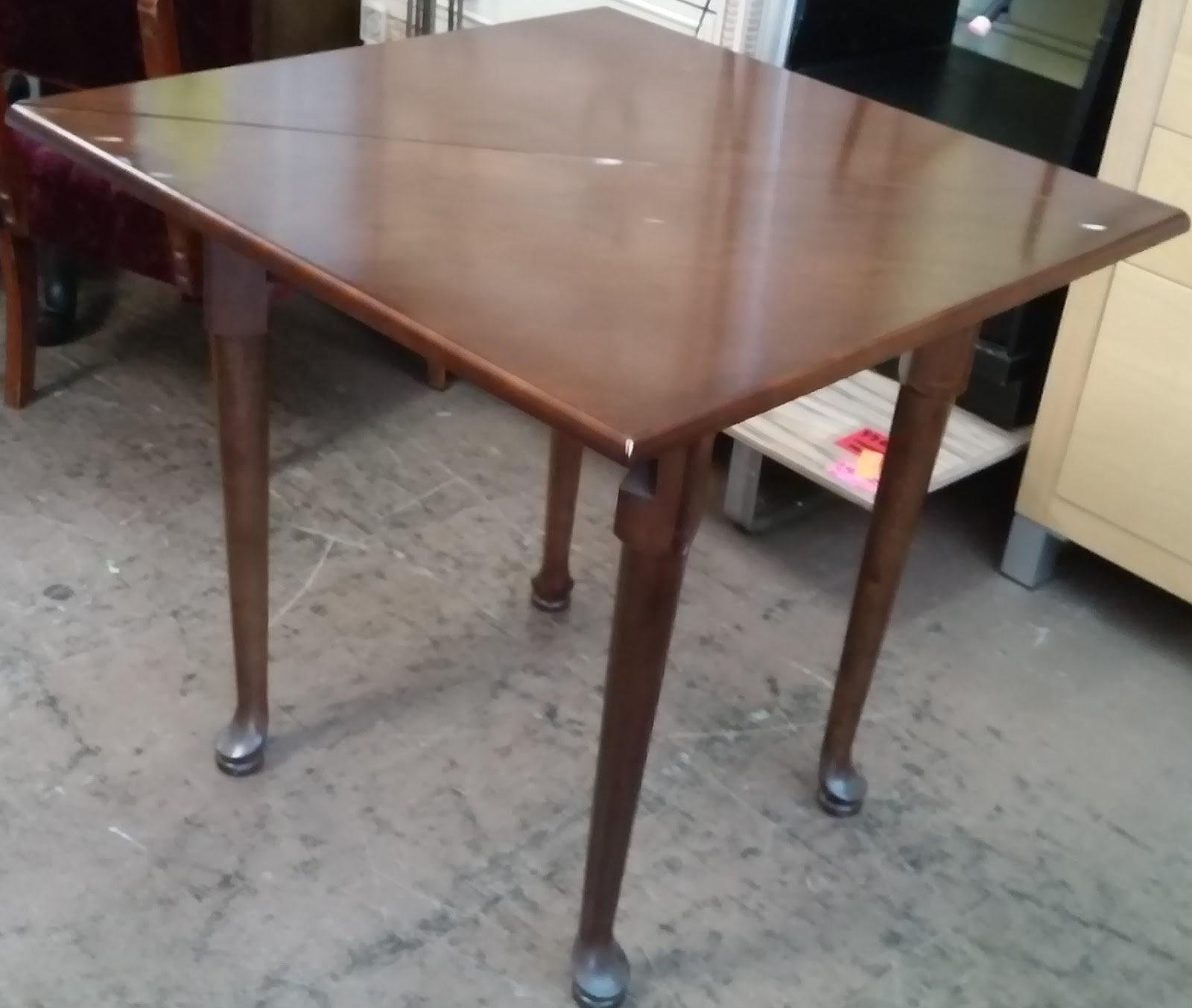 UHURU FURNITURE & COLLECTIBLES: SOLD Bombay Co. Drop-Leaf ...