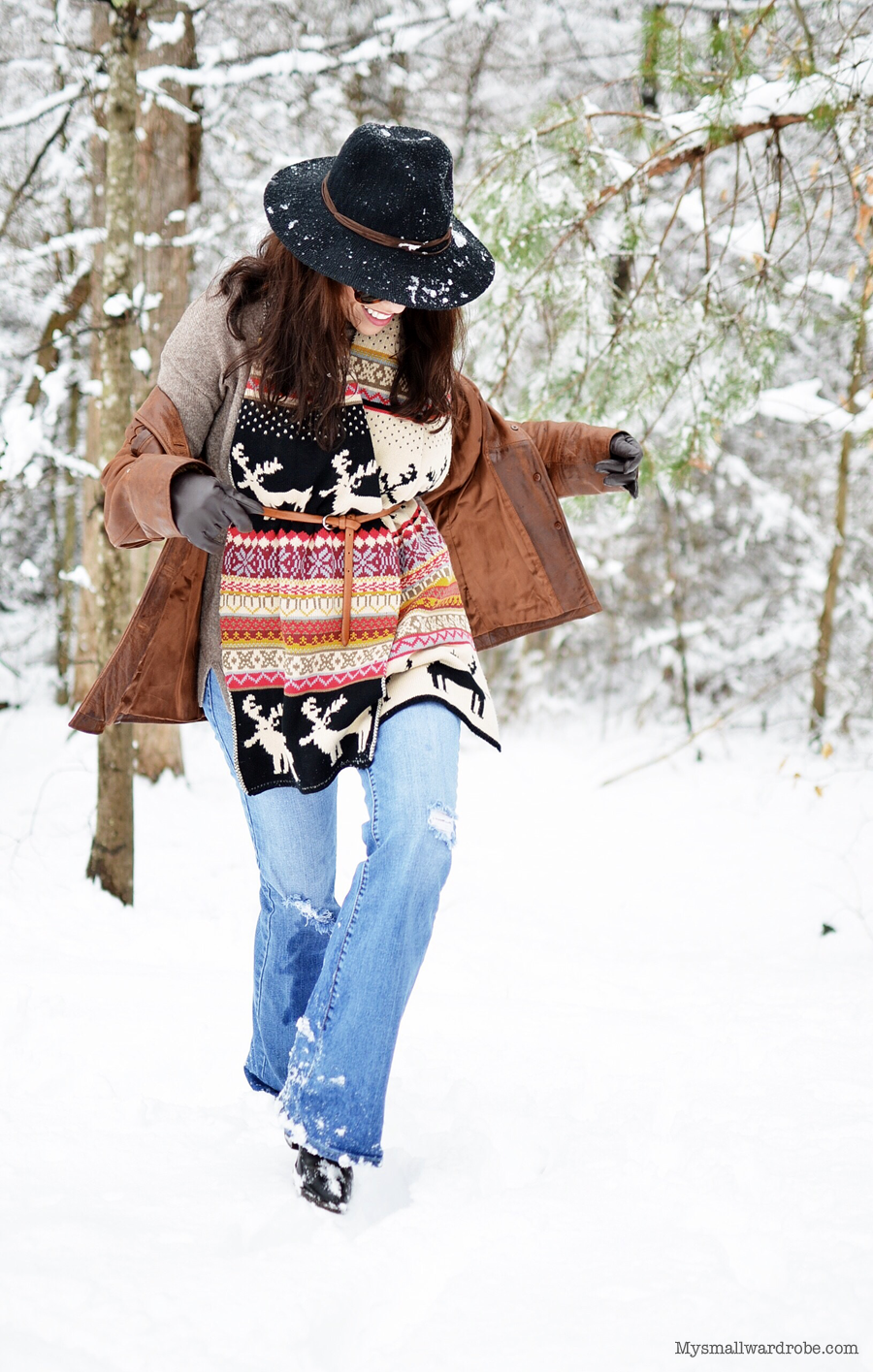 Outfit with belted scarf