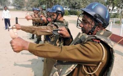 Τεχνολογική στροφή προς τα πίσω κάνει η αστυνομία στην Ινδία