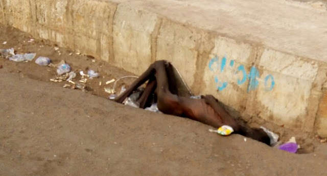 How Nigerians Watch A Young Man Died Of Starvation And ill Health
