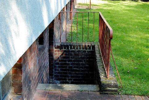 pixabay.com/en/basement-stairs-railing-stainless-347482