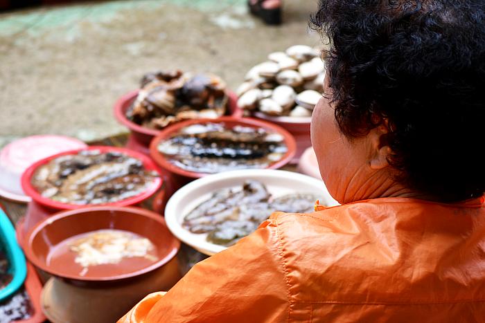 Tongyeong's fish market south korea