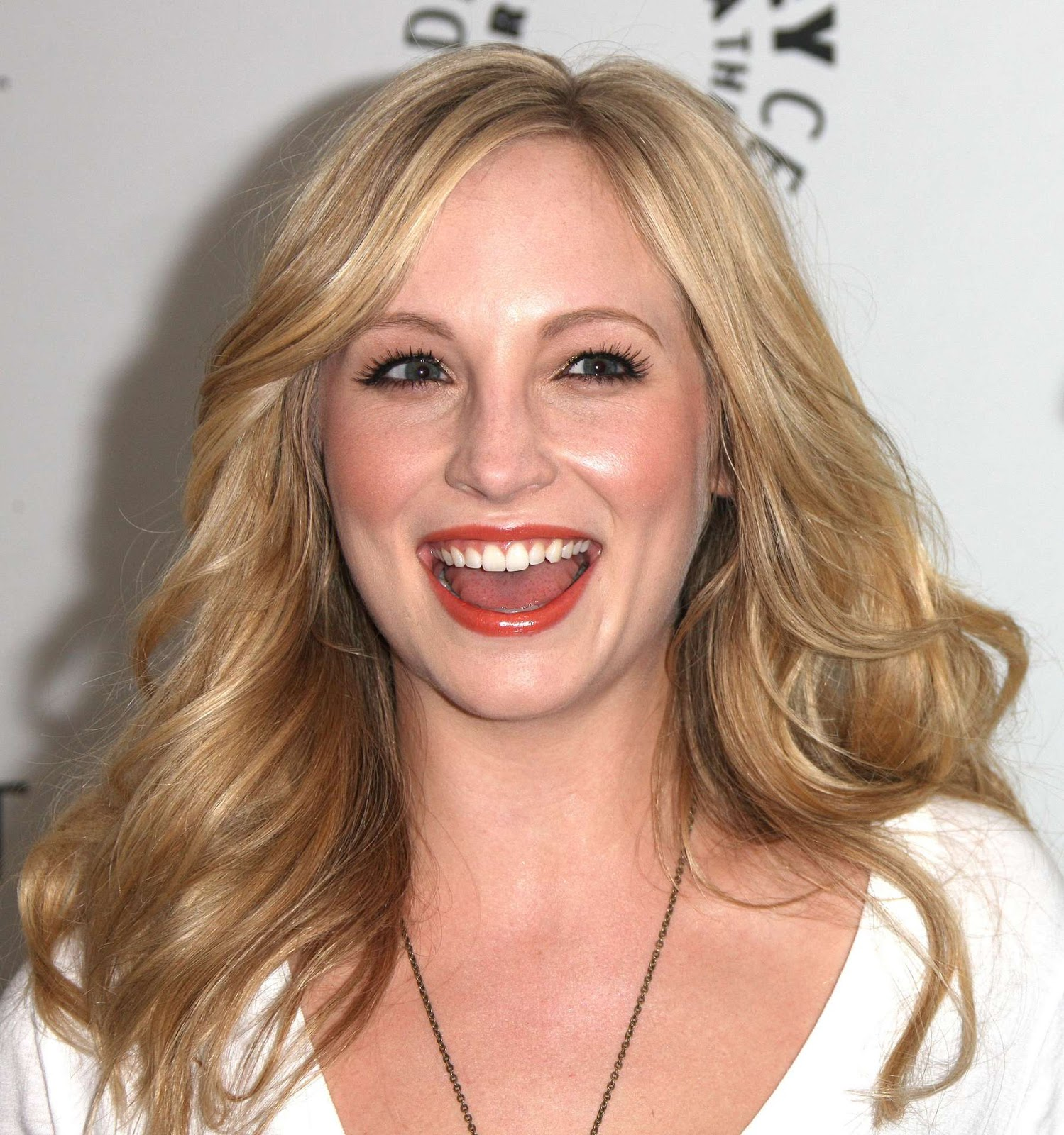 Candice Accola Hd Wallpapers  Wall Pc-8820