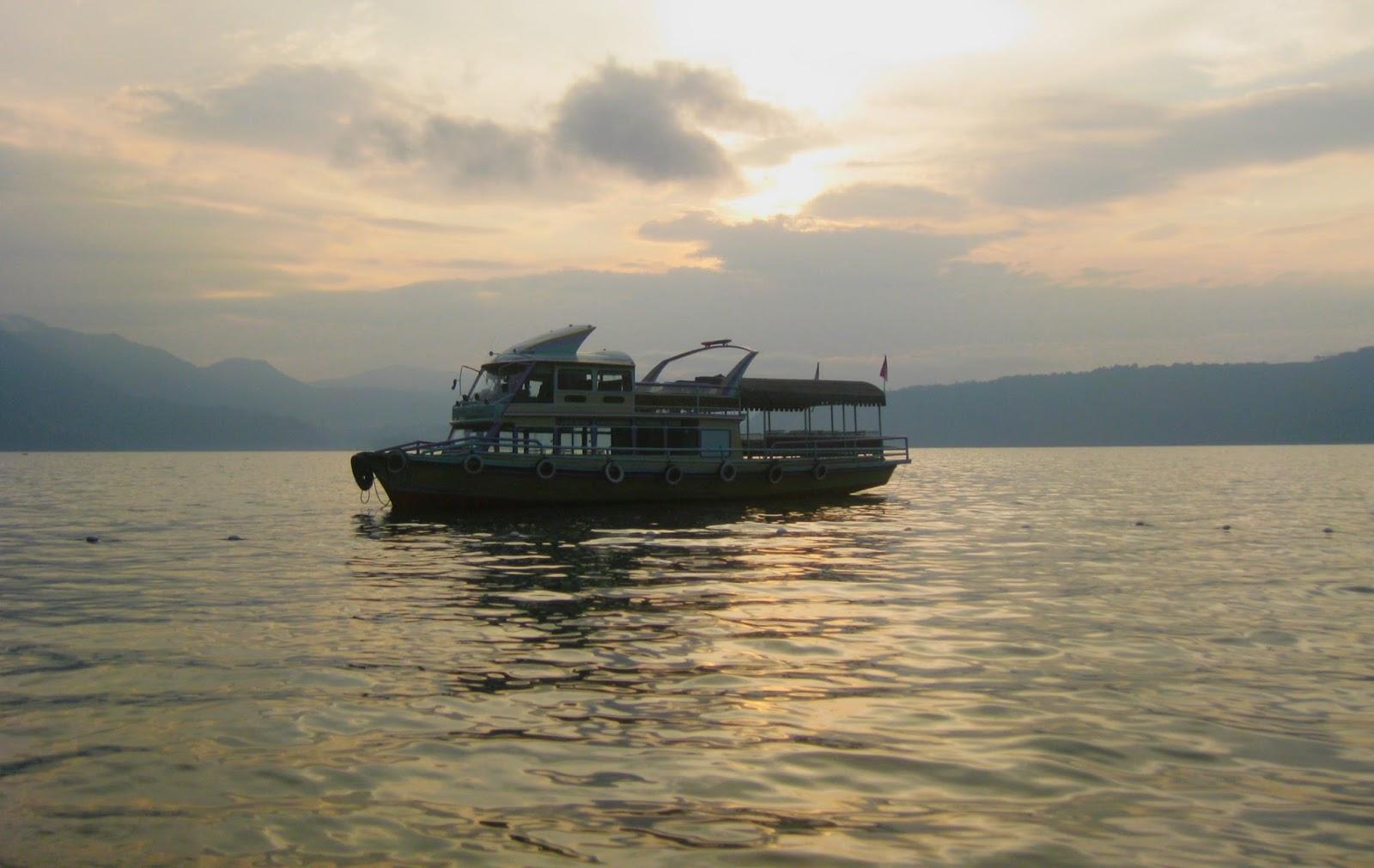 Danau Toba merupakan icon destinasi favorit in North Sumatra