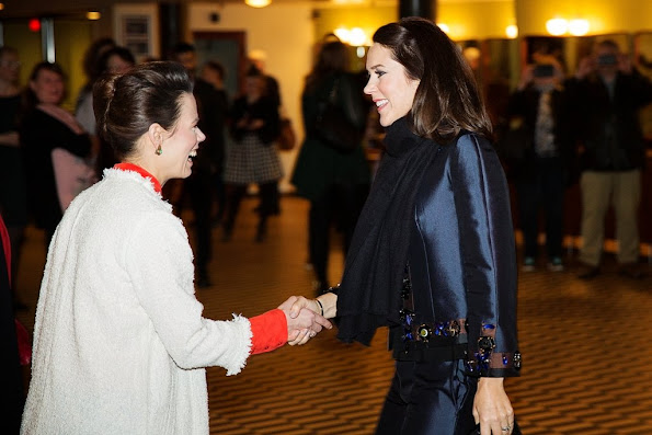Crown Princess was Tuesday, March 8 present at KVINFO marking International Women's Day at the venue Vega in Copenhagen. Pictured greet Crown Princess on his arrival at KVINFO chairwoman, Nina Groes.