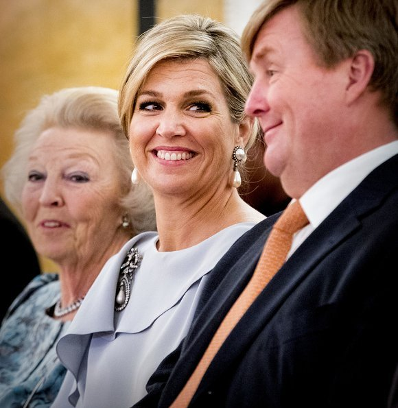 King Willem-Alexander, Queen Maxima and Princess Beatrix attended the 2018 Oranje Fonds award ceremony. Queen Maxima wore Natan dress