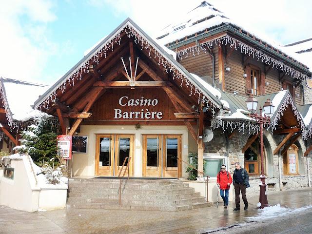 vacances ski à megève pas cher - place du centre boutique hermès