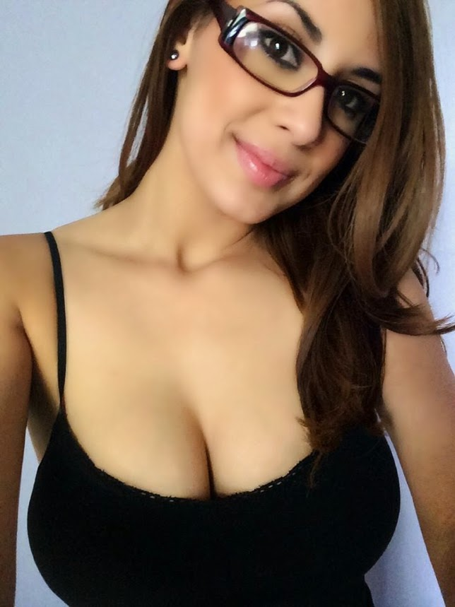 Hot Latina With Huge Tits