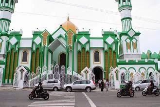 masjid raya kota singkawang tampak depan