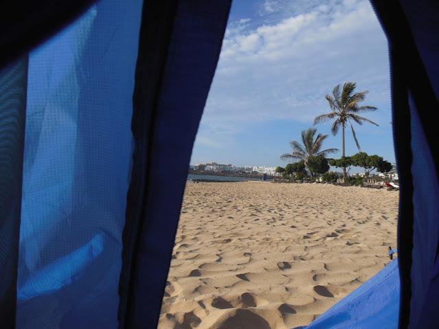 spanie w namiocie lanzarote, wyspy kanaryjskie autostop