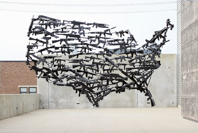 Mapa de los Estados Unidos creado con metralletas