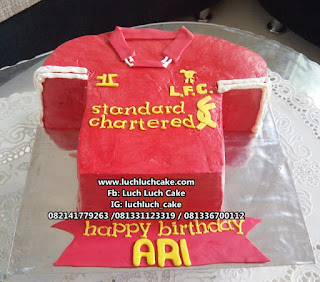 Kue Tart Baju Liverpool Club Bola