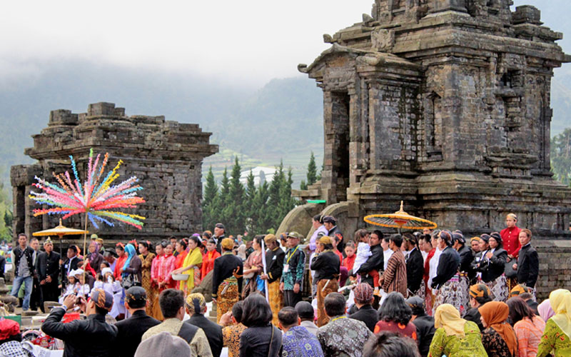 Hasil gambar untuk dieng culture festival