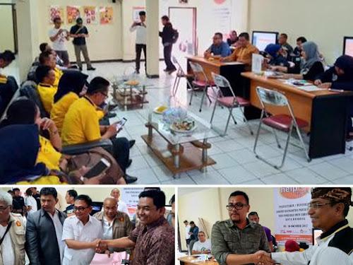 Penyerahan berkas Golkar PKS Gerindra ke KPU Kota Bandung