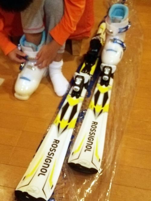 子供のスキー 、レンタルにするか買うか迷った