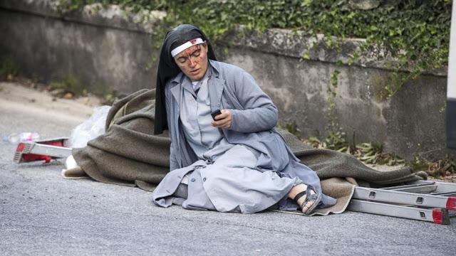Biarawati ini Kirim Pesan Perpisahan Saat Dihimpit Reruntuhan