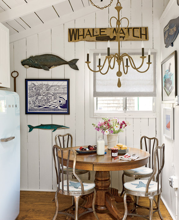 Beach Kitchen Decor: Beautifully Seaside / Formerly Chic Coastal Living: Martha