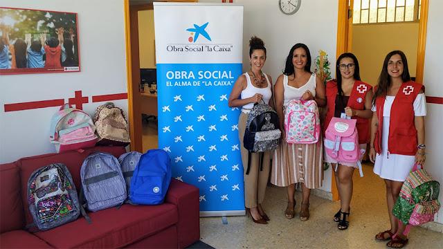 Cruz Roja lleva a cabo una campaña de recogida de material escolar en la isla de La Palma