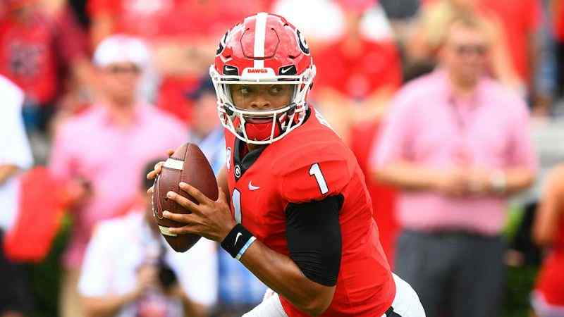 Justin Fields out at Georgia, transferring to Ohio State