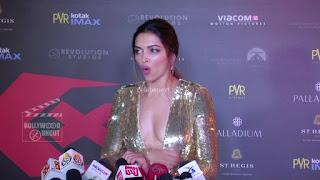 Deepika Padukone Promoting   Return of Xander Cage in India in Golde Gown 78 .xyz.jpg