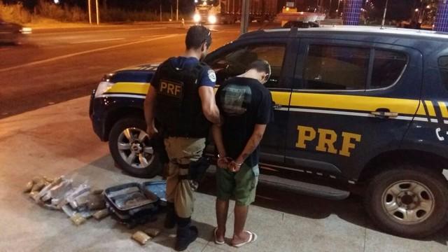 Adolescente é apreendido transportando 16 kg de maconha em mala no MA