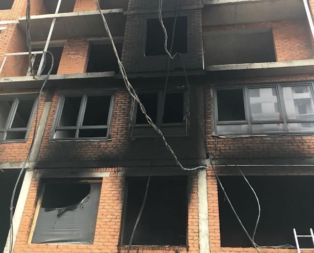 В Уфе на одной из строек вспыхнул пожар Видео
