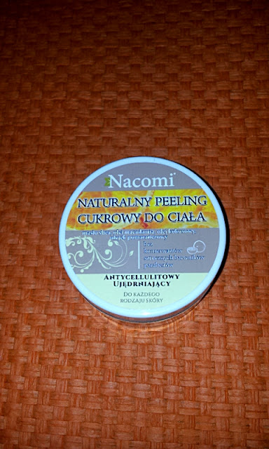 Naturalny pomarańczowy peeling cukrowy do ciała marki Nacomi