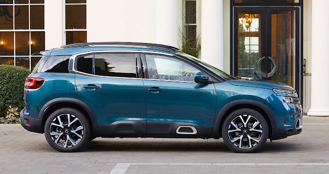 Citroen C5 Aircross side view