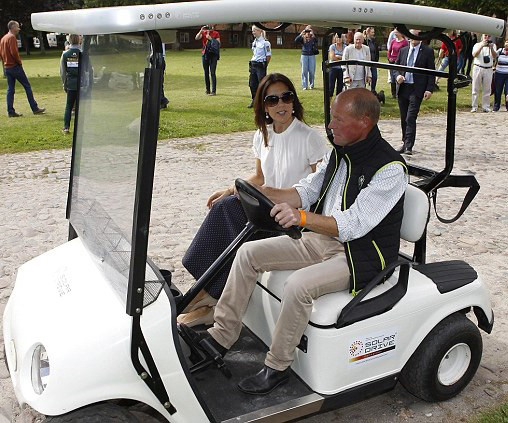 Crown Royal Buggy Royal Family Around The World Danish Crown Princess Mary