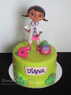 A Doutora Brinquedos no 4º aniversário da Diana